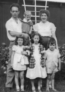 1955 Sippel Family - Mom pregnant with me - 3